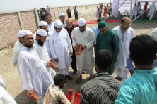 sayem_sobhan_anvir_laid_the_foundation_stone_of_countrys_largest_mosque_to_be_built_at_bashundhara_05
